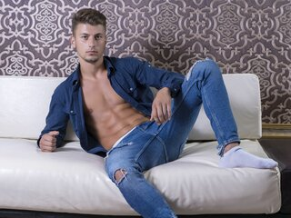 AlexanderWhiteX camshow pictures