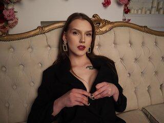 AmandaKlark shows jasmine